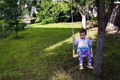 Babymeisje in schommeling Royalty-vrije Stock Foto