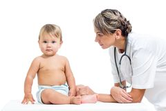 Babyonderzoek bij arts royalty-vrije stock afbeelding