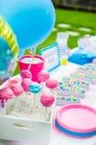 Babypartysüßigkeitsdekorationen auf Tabelle Stockbild