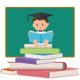 Babyprofessor oder Schulabgänger, die ein Buch lesen Stockfotografie