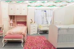 Babys sovrum i pastellfärgade färger Fotografering för Bildbyråer