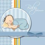 Babyschlaf mit seinem Teddybärspielzeug Lizenzfreies Stockfoto