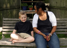 Babysitter und Kind Stockbild