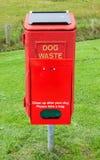 bac à ordures de chien photos libres de droits