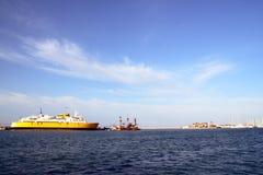Bac dans le port Photos libres de droits