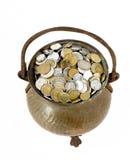Bac de cru avec des pièces de monnaie photographie stock