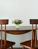 Bac de fleur artificielle Photo stock