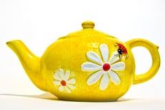 Bac jaune de thé photo libre de droits