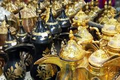Baccelli arabi del caffè di stile delle teiere brillanti Fotografia Stock Libera da Diritti