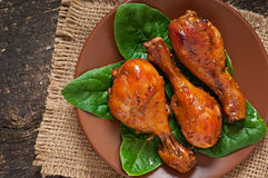 Bacchette di pollo al forno Fotografie Stock Libere da Diritti