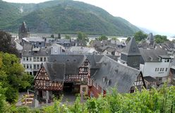 Bacharachdaken van huizen langs de Rijn-Vallei in Duitsland Royalty-vrije Stock Afbeelding