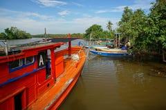 Bachok 12 august 2016: Sikt av fartyg i Bachok Kelantan Malaysia Royaltyfri Bild
