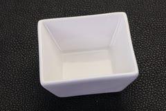 bacia branca da porcelana imagens de stock