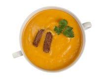 Bacia com opinião superior da sopa da abóbora Foto de Stock
