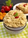 Bacia com salada da beringela Fotos de Stock Royalty Free