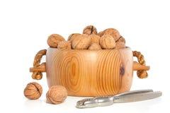 Bacia com wallnuts Imagens de Stock Royalty Free