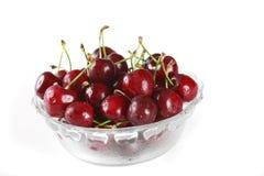 Bacia completamente de cerejas Fotos de Stock