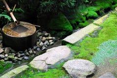 Bacia da água do zen Fotografia de Stock