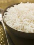 Bacia de arroz Basmati fervido liso imagens de stock royalty free