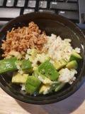 Bacia de arroz do abacate foto de stock