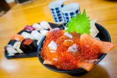 Bacia de arroz do Sashimi Fotos de Stock