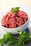 Bacia de carne à terra crua Fotografia de Stock Royalty Free
