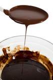 Bacia de chocolate derretido foto de stock