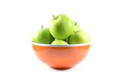 Bacia de maçãs verdes Imagens de Stock