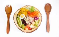 Bacia de salada Imagens de Stock Royalty Free
