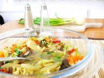 Bacia de sopa chinesa Fotos de Stock Royalty Free