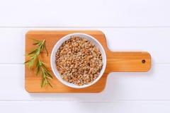 Bacia de trigo mourisco cozinhado fotos de stock royalty free