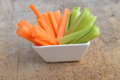 Bacia de cenoura e de aipo Imagem de Stock Royalty Free