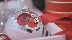 Bacia de vidro do tema do ano novo com Santa Claus filme