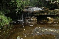 Bacia do maliu da cachoeira de Giluk foto de stock