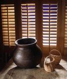 Bacia e abanadores de madeira Fotografia de Stock Royalty Free