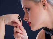 Baciare la mano Immagine Stock