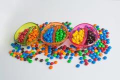 Bacias de bombons coloridos Foto de Stock Royalty Free