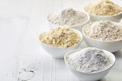 Bacias de farinha sem glúten Imagens de Stock