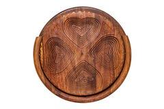 Bacias de madeira Close up da bacia de madeira articulada feito a mão para os frutos, os vegetais e as porcas isolados em um fund fotos de stock