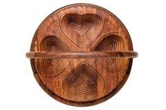 Bacias de madeira Close up da bacia de madeira articulada feito a mão para os frutos, os vegetais e as porcas isolados em um fund foto de stock