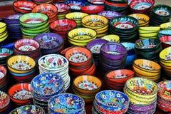 Bacias turcas coloridas do chá Fotografia de Stock Royalty Free