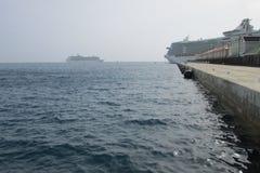 Bacino delle navi da crociera di RCCL a porto di Falmouth Fotografia Stock