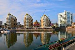 Bacino di Limehouse, villaggi della torretta, Londra, Inghilterra Fotografia Stock Libera da Diritti