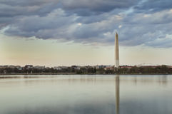 Bacino di marea di Washington Monument Reflecting In The Fotografia Stock Libera da Diritti