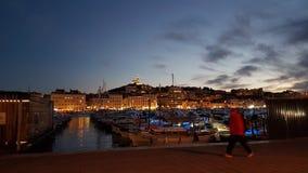Bacino di Marsiglia di notte fotografia stock libera da diritti