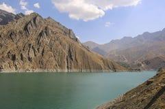 Bacino idrico alcuni dozzina chilometri da Teheran al Nord del fotografia stock libera da diritti