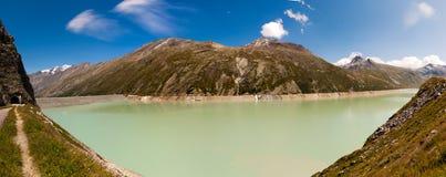 Bacino idrico della montagna Fotografia Stock