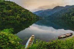 Bacino idrico della Tailandia del Nord è calmo e rinfrescare immagine stock libera da diritti