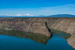 Bacino idrico di Billy Chinook del lago nell'alto deserto centrale dell'Oregon fotografie stock