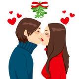 Bacio del vischio di Natale Immagine Stock Libera da Diritti